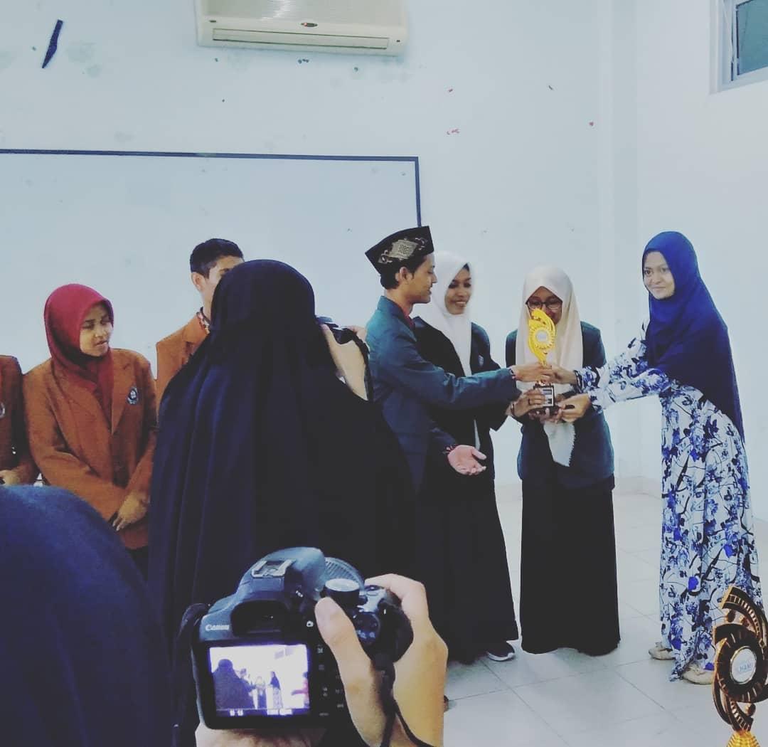 Juara I Debat Ilmiah Tingkat Nasional di UINMaulana Malik Ibrahim Malang 2018