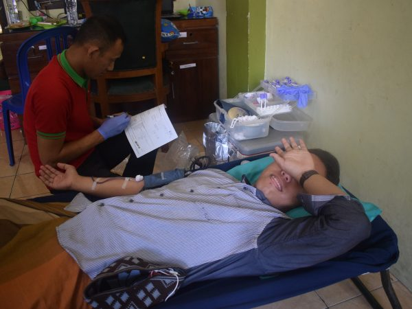 Bersama PMI Rembang, DEMA adakan Donor Darah