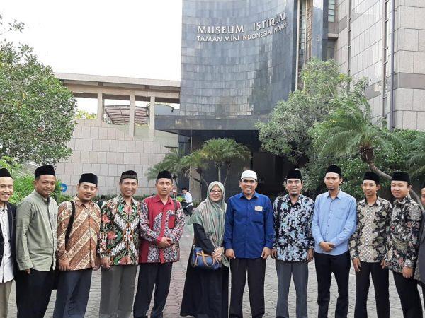 PKL IQT 2019: Mahasiswa Praktik langsung Kajian  Manuskrip Mushaf di LPMQ