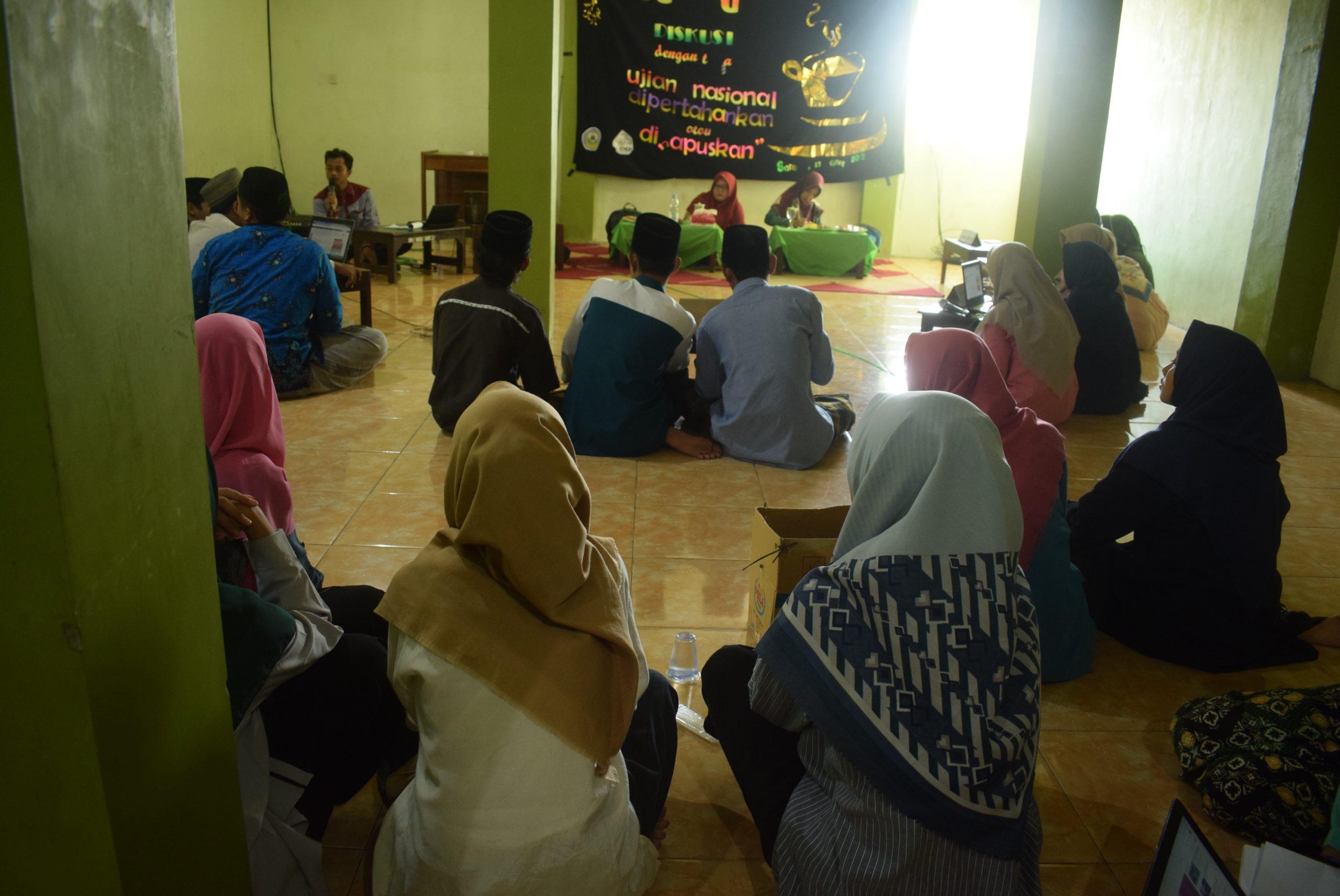Sederhana , 'Full Up Diskusi' HMP PGMI STAI Al-Anwar tetap memukau.