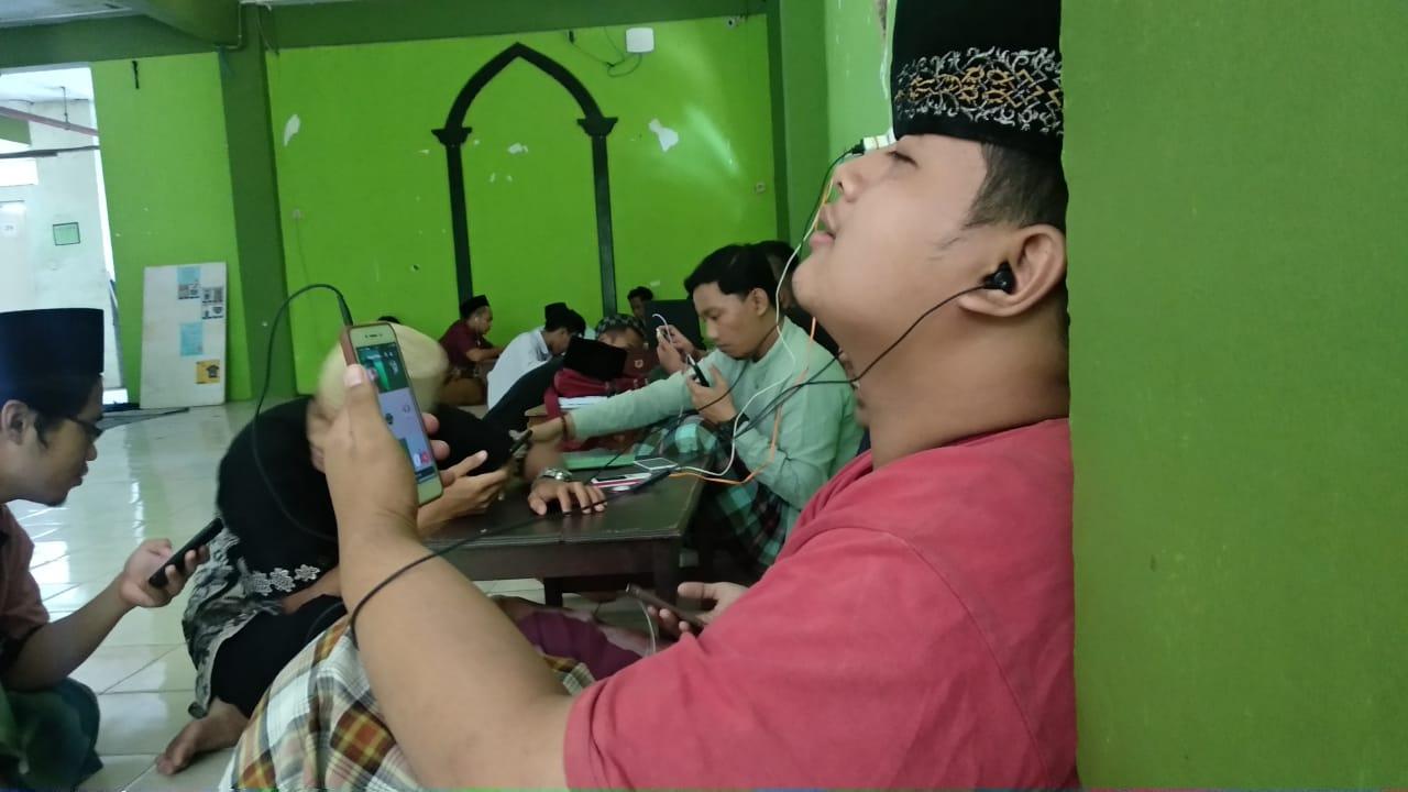 """""""Wi-Finya tetap Diperbarui, Njagani Mahasiswa yang Banyak"""""""